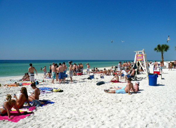 Spring breakers to invade Florida in late March. (Photo: Ampresco / Flickr)