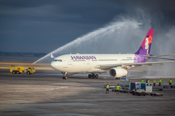 Inaugural Hawaiian Airlines A330 gets a water cannon salute upon arrival in Auckland, New Zealand. (Photo: Hawaiian Air)