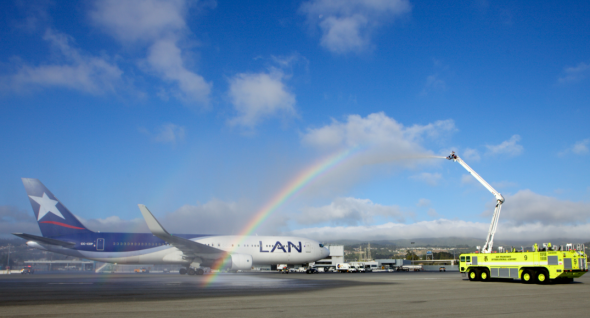 LAN inaugural Boeing 767  gets a water cannon salute at SFO in 2010