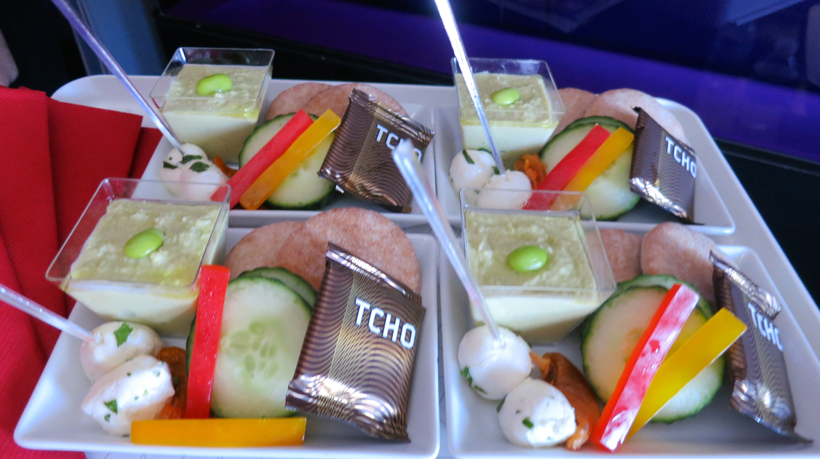 Edamame hummus, pita and cheese served as late flight snack on Virgin America (Photo: Chris McGinnis)