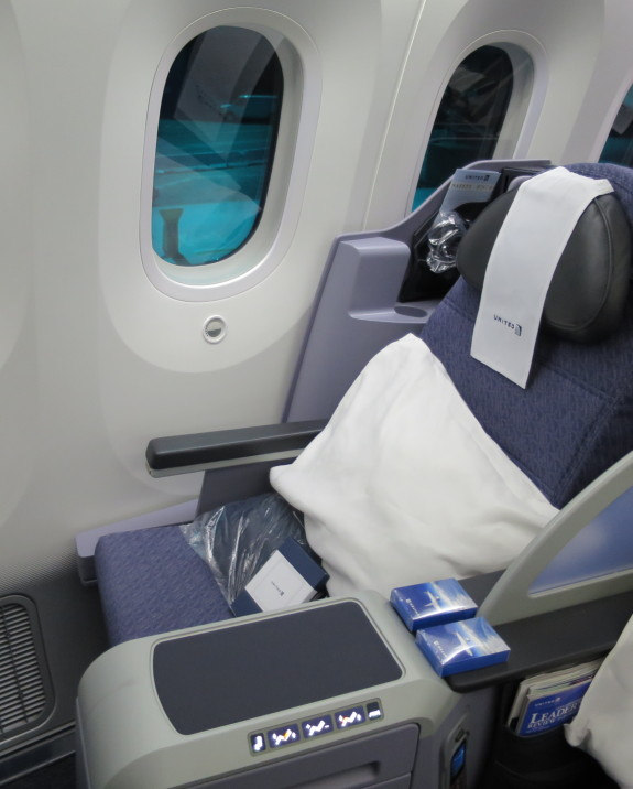 United's B-787 BusinessFirst seat (Photo: Nancy Branka)