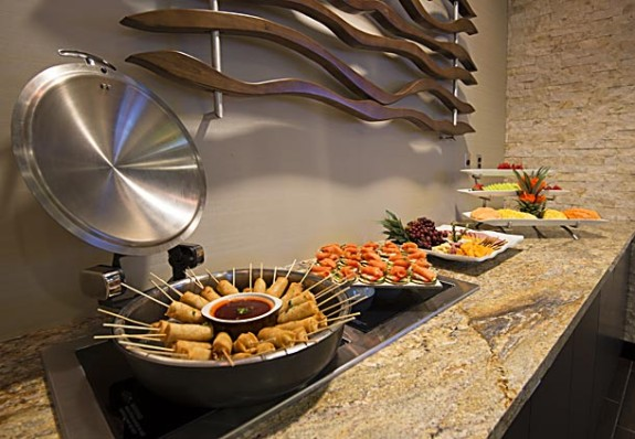 Evening appetizers at Wichita Marriott's M Club Lounge (Photo: Marriott)