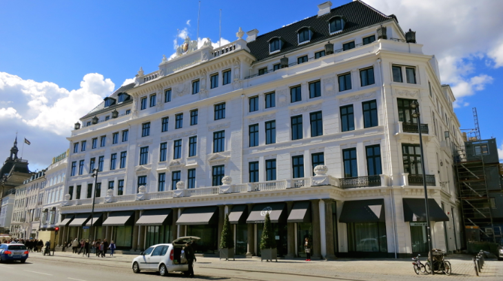 Copenhagen's newest 5-star hotel is the sugar-white D'Angleterre which opened last year after a total re-do. Worth a look even if you are not staying there! (Photo: Chris McGinnis)
