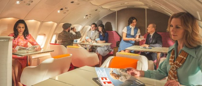 """Passengers retreat to the lounge upstair  """"inside the bubble"""" on the Pan Am 747 (Photo: Michael Kelley)"""