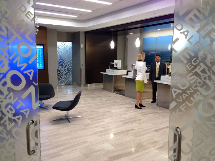 Walking in to United's exclusive new Global Services/First check in lounge at SFO (Photo: Chris McGinnis)