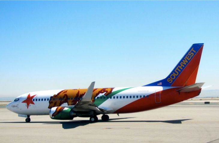 A Southwest B737 outfitted in a State of California flag livery. (Photo: Chris McGinnis)