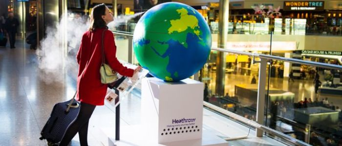 The new scent globe a London Heathrow Terminal 2 (LHR Airports)