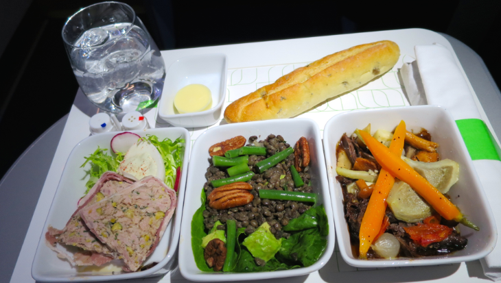 An outstanding, fresh & healthy meal in JetBlue's Mint class (Photo: Chris McGinnis)