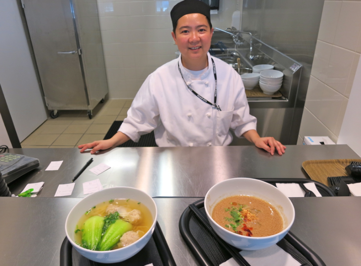 The noodle chef at Cathay Pacific's business class lounge at SFO (Photo: Chris McGinnis)