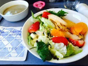 Hot mushroom soup and a pretty fruit/chicken salad on a recent SFO-ATL lunchtime flight (Photo: Chris McGinnis)