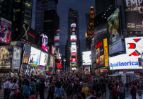 Nearly 500,000 people pass through Times Square every day (Photo: Neo_II / Flickr)
