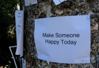 Make someone happy on your next biz trip...and it may come back to you (Photo Lisa Parker / Flickr)