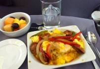 United's hearty new first class breakfast (Photo: B.D.)