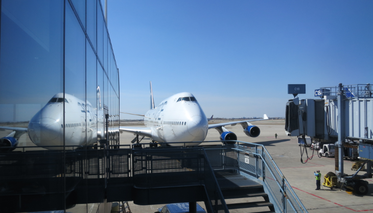 United's summer business class sale. A 747 at ORD (Image: Chris McGinnis)