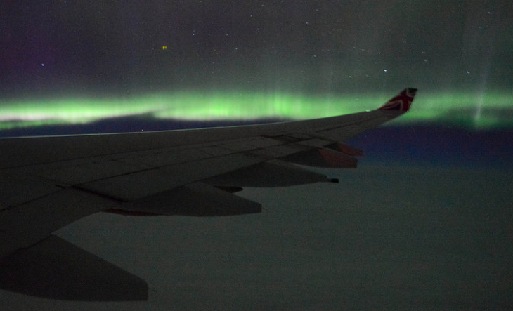 Seen the northern lights from a plane? (Photo: Francisco Anzola / Flickr)