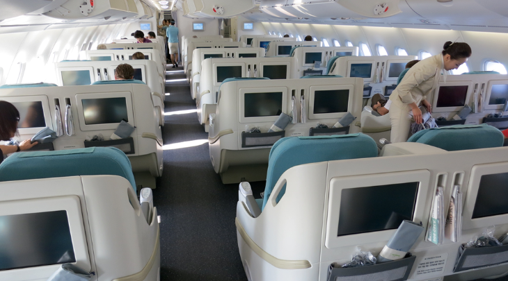 Korean Air business class upstairs on an Airbus A380 (Chris McGinnis)