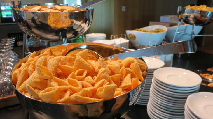 Bugles for snacks at the Star Alliance lounge at Barcelona El Prat airport (Chris McGinnis)