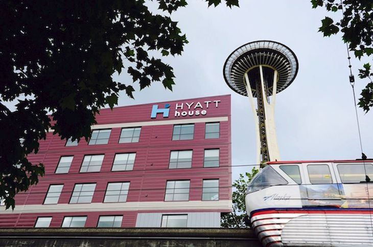 The new Hyatt House in Seattle sits in the shadow of the Sapce Needle. (Image: Hyatt)