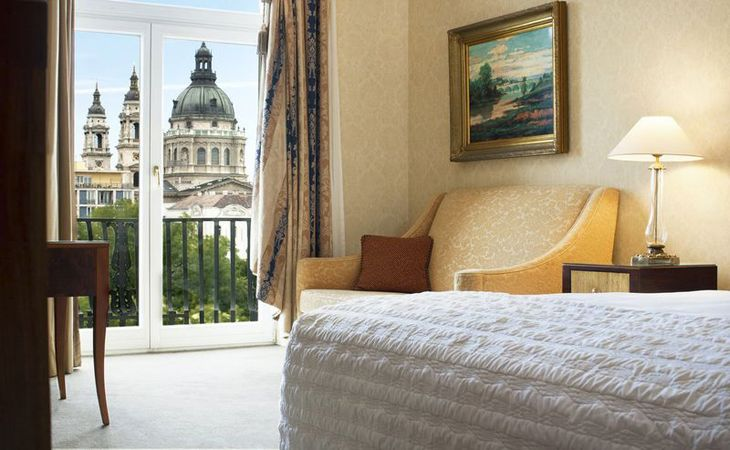 Ritz-Carlton's new Budapest property has views of St. Stephen's Basilica. (Image: Ritz-Carlton)