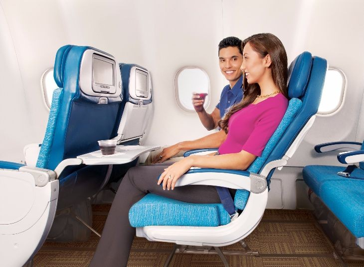 "Hawaiian Air Extra Comfort seats get 36"" of pitch (Photo: Rae Huo for Hawaiian Air)"