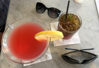 More airlines offering free drinks for elites (Photo: Chris McGinnis)