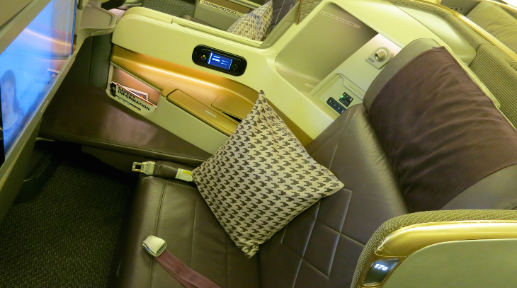New business class aisle seat on Singapore Airlines B777 (Photo: Chris McGinnis)