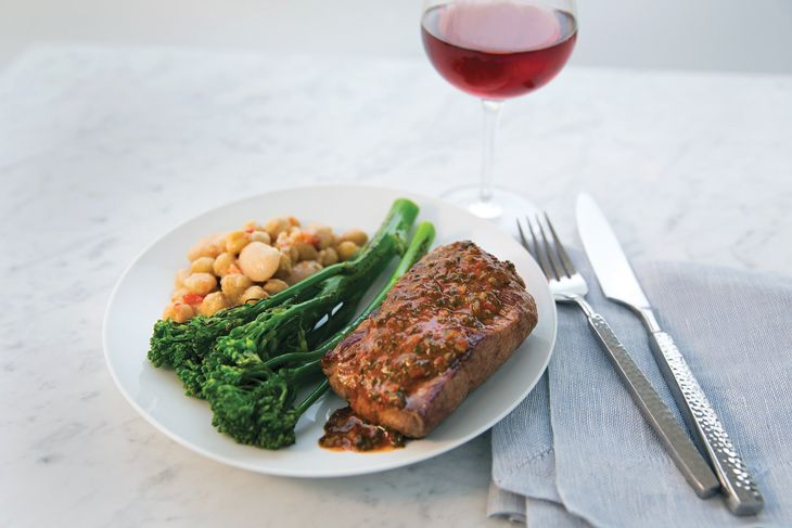 United's new flat-iron steak entree . (Image: United)