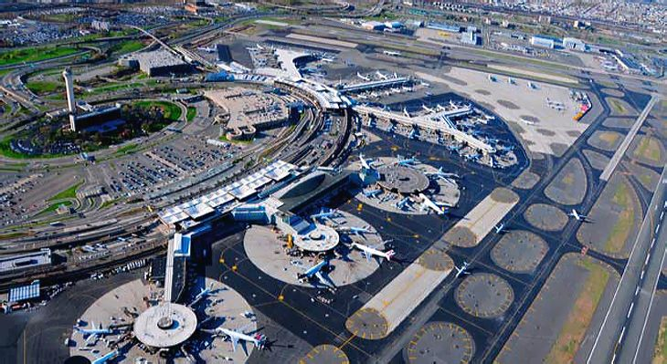 United controls almost three-fourths of the takeoff/landing slots at Newark Liberty International Airport. (Image: new York/New Jersey Port Authority)