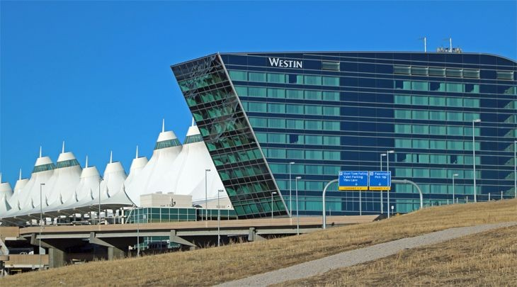 The new Westin at Denver's airport is a short walk from the terminal. (Image: Jim Glab)