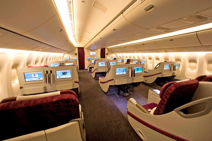 Business class on Qatar's 777-200, now flying to Los Angeles. (Image: Qatar Airways)