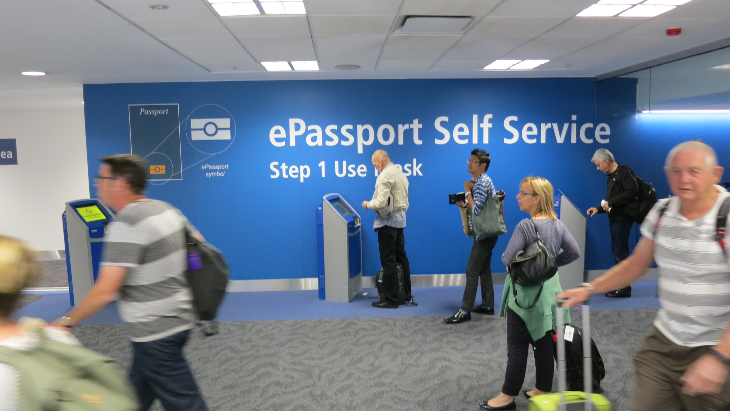 Quick and easy entry via kiosk at SYD (Photo: Chris McGinnis)