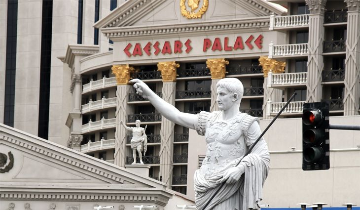 Guest fees are rising at Caesars Palace and some other Las Vegas hotels. (Image: Jim Glab)