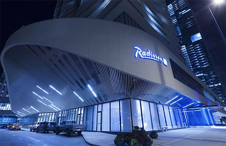 A Chinese company is buying the Carlson Rezidor hotel group, which includes the Radisson Blu in Chicago. (Image: Radisson Hotels)