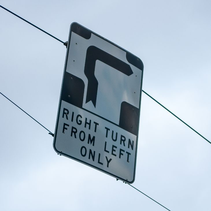 Australia sign right turn
