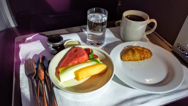 Fruit plate breakfast starter in BA business class (Scott Hintz)