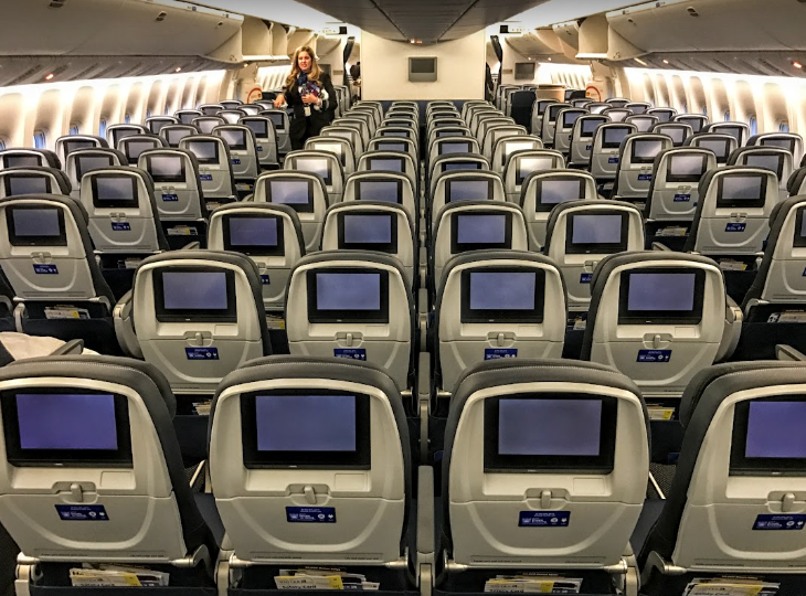 First look inside united 39 s newest jet the boeing 777 for Interieur 777 300