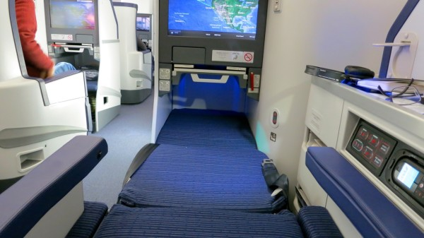 ANA's expansive true lie-flat business class seat on its Boeing 787 (Photo: Chris McGinnis)