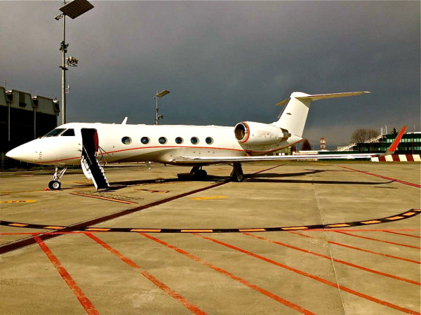 A Gulfstream IV (Photo: Nima Pirzadeh)