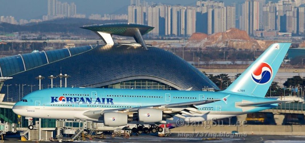 Korean Air A380 floating over Seoul Incheon Airport.