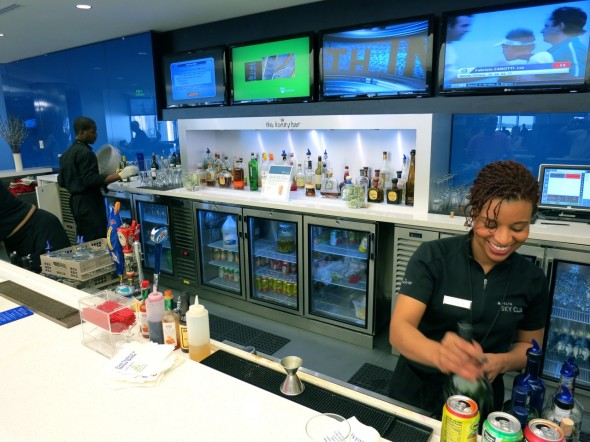 Delta's Sky Club Luxury Bar on Concourse E (Chris McGinnis)