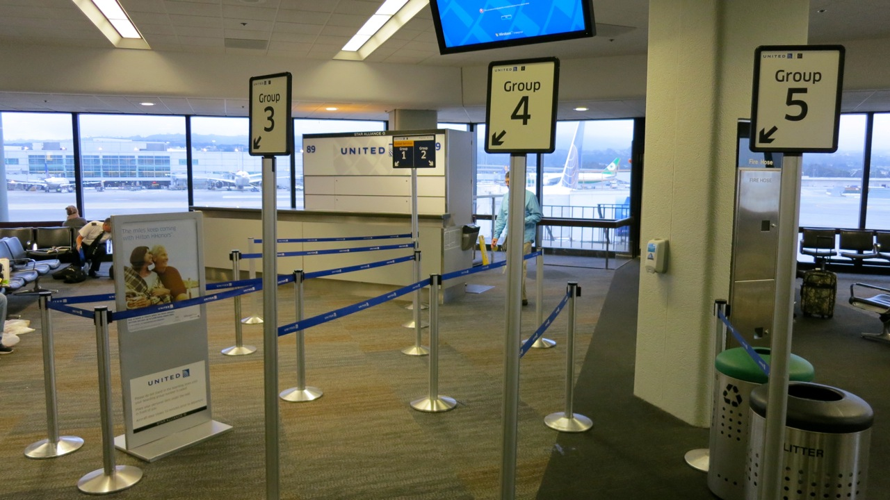 United's new boarding area queues at SFO (Chris McGinnis)