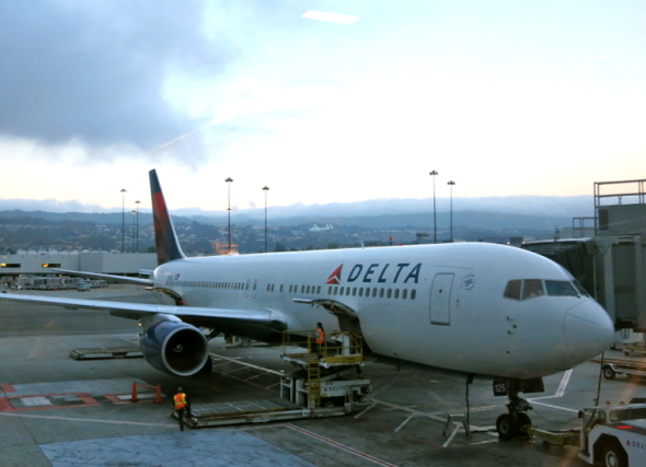 Delta at SFO (Chris McGinnis)