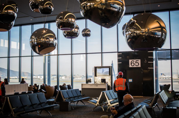 "New art installation ""Sky"" at SFO's T3E (Photo: SFO)"