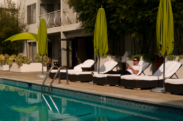 Poolside at the recently revamped Sunset Marquis Hotel (Photo: Sara Emry)