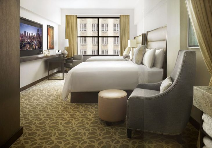 JW Marriott Houston Downtown room (PHOTO: Marriott)