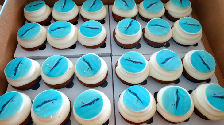 British Airways served 500 cupcakes adorned with A380 photos to passengers in boarding area (Chris McGinnis)