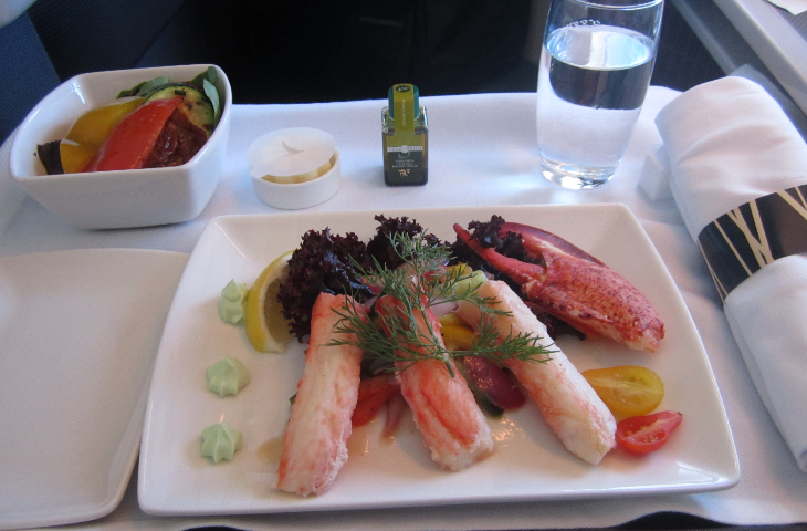 Business class meal on Cathay Pacific delivery flight (Photo: Ramsey Qubein)