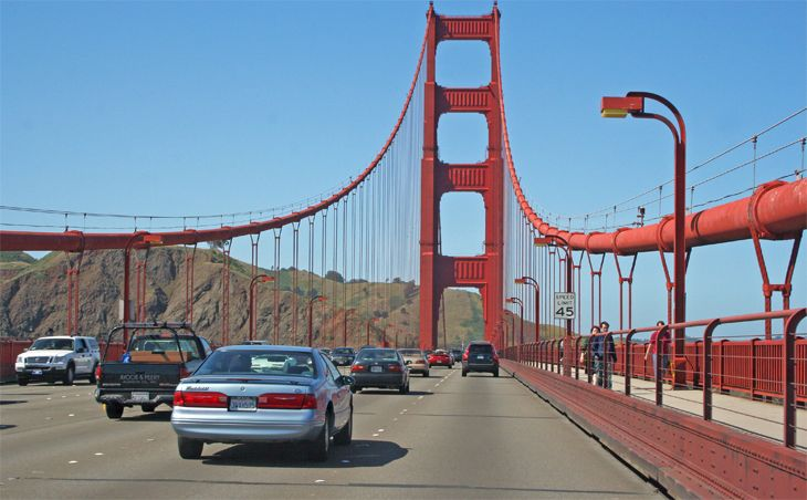 Human toll takers have disappeared from the Golden Gate Bridge -- but the tolls haven't. (Image: Jim Glab)