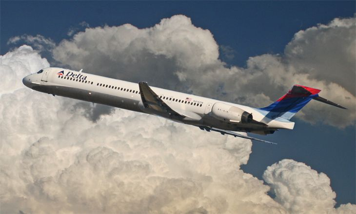 Delta is one of the first out with a fall fare sale. (Image: Jim Glab)