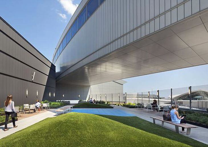 JetBlue's new rooftop space at JFK Terminal 5. (Image: Gensler Architects)
